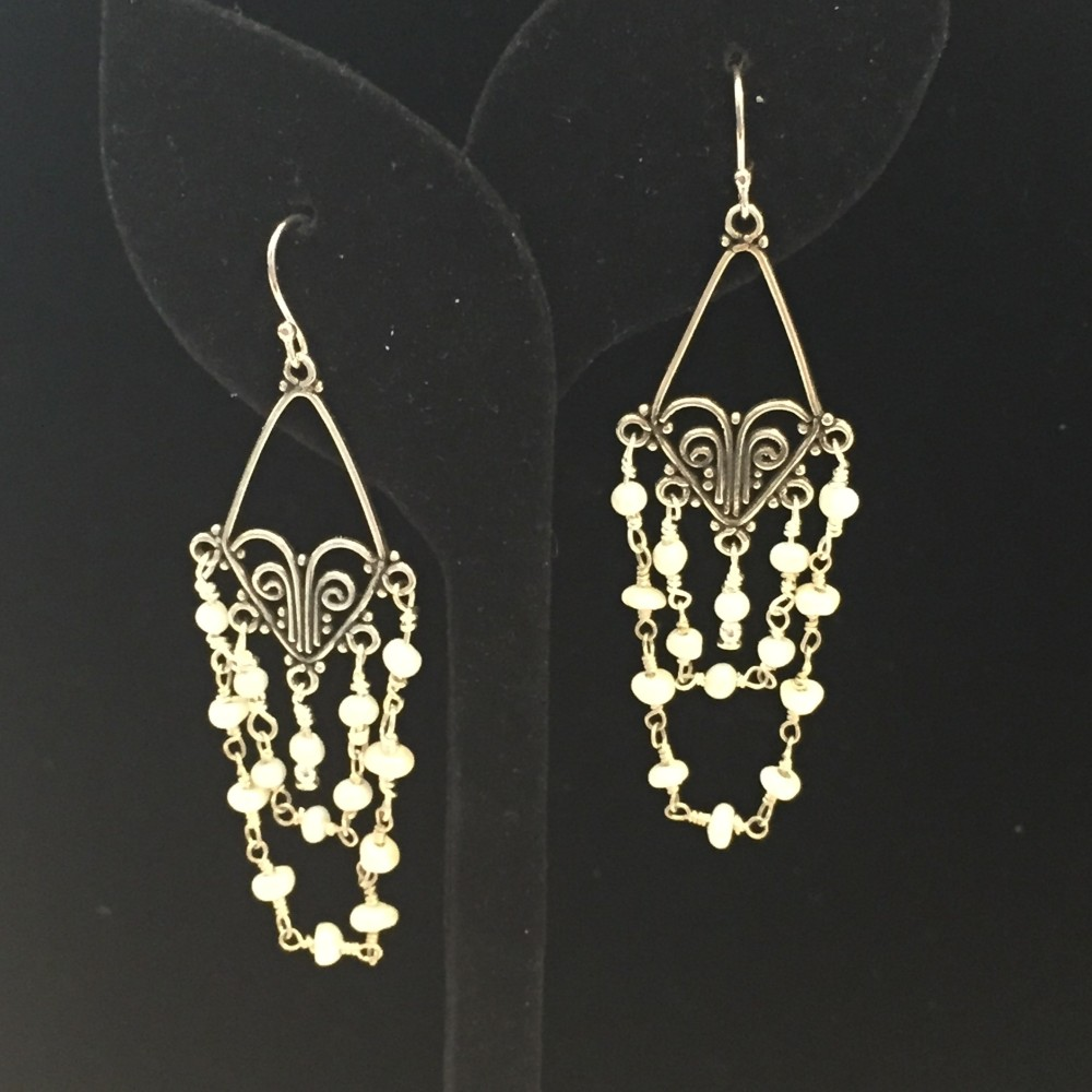 Set of earrings made with pearls and silver