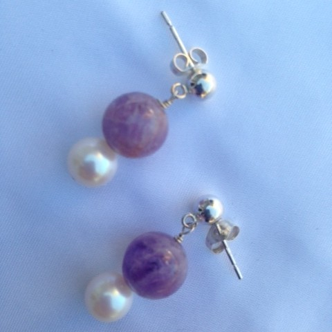 Earrings made with Amethyst and Pearl