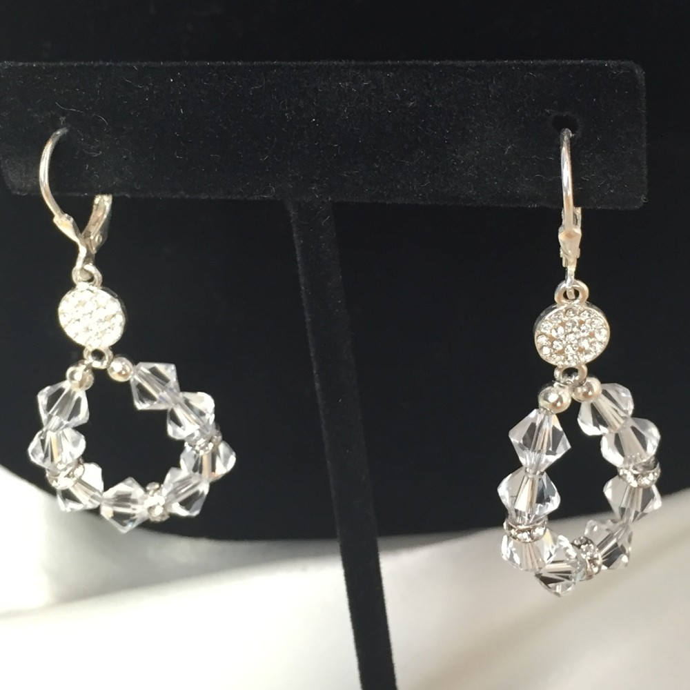 Set of earrings made with crysgtals and silver