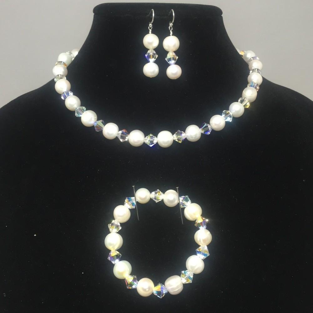 Freshwater pearls, Swarovski crystal set